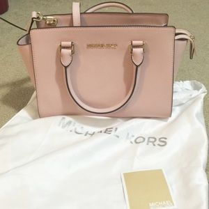 Michael Kors Baby pink shoulder purse